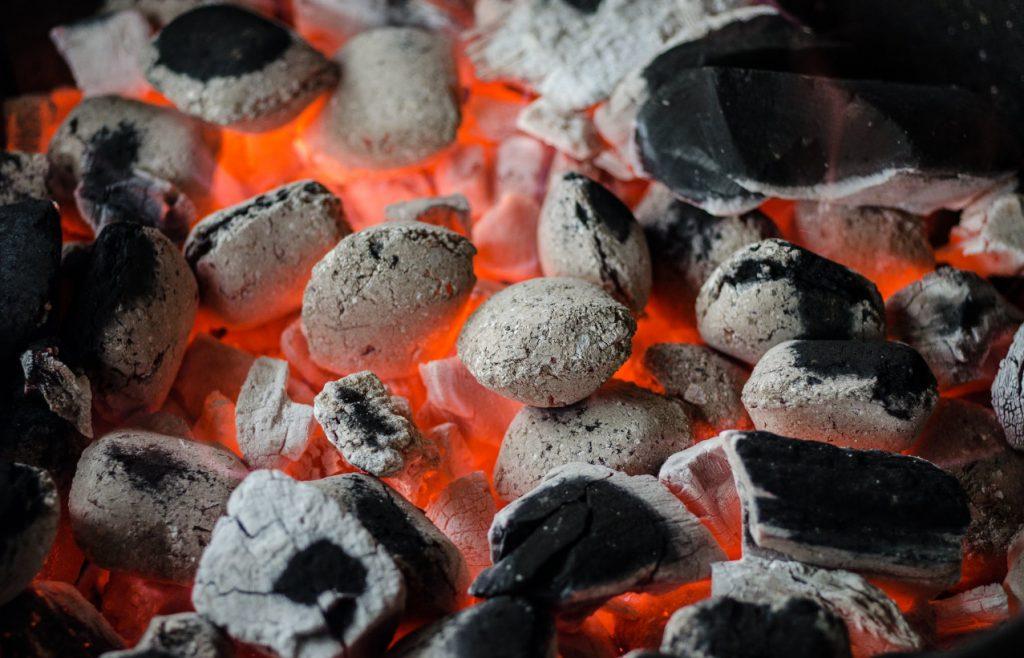żarzący się węgiel
